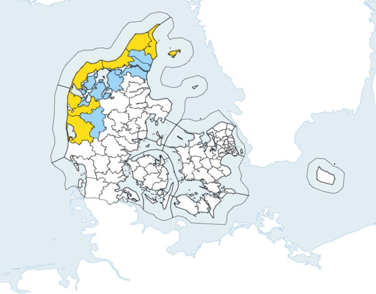 De områder af kortet, der er markeret med gult indikerer, at der er udsigt til vindstød af stormstyrke. De blå områder indikerer, at der er risiko for vindstød af stormstyrke.  Foto: DMI.
