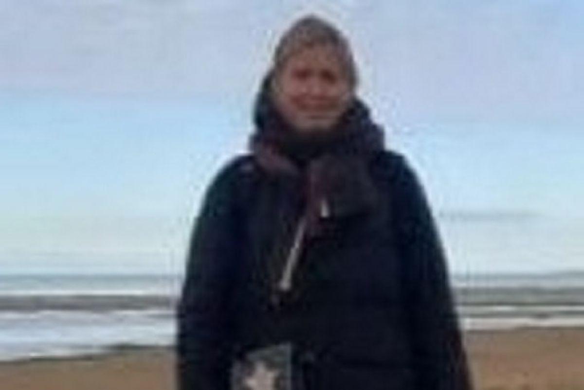 43-årige Maria From Jakobsen forsvandt fra sit hjem i Frederikssund 26. oktober. Politiet har mistanke om, at hun er blevet dræbt. KLIK og se billeder af bilerne, som politiet vil vide mere om. Du kan også se billeder fra efterforskningn. (Politifoto) Foto: Nordsjællands Politi/Free