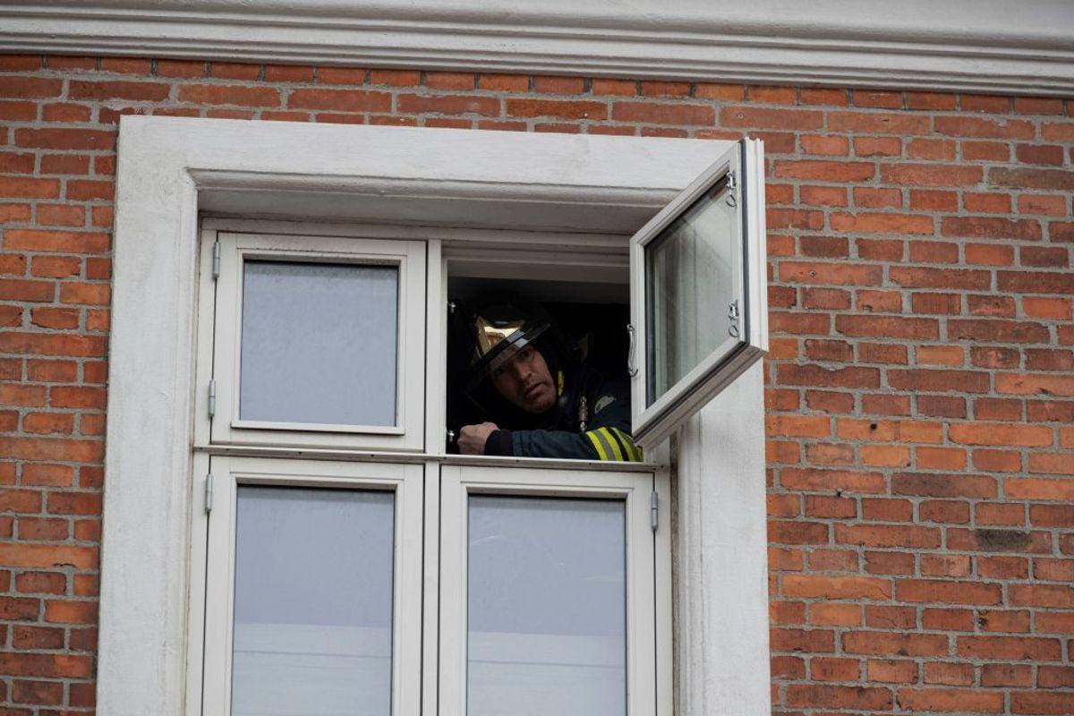 Brandvæsen rykket ud til brand. KLIK FOR FLERE BILLEDER. Foto: Rasmus Skaftved