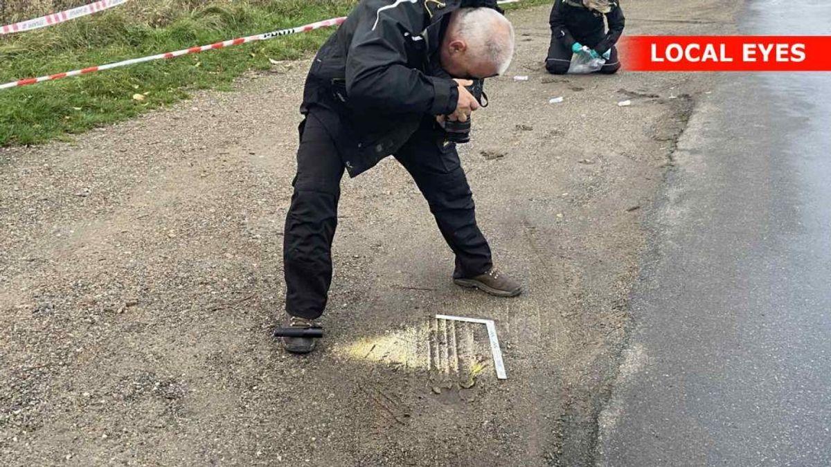Politiet har sikret spor fra en vigeplads på Lerchenfeldvej i Kalundborg.  Foto: Local Eyes