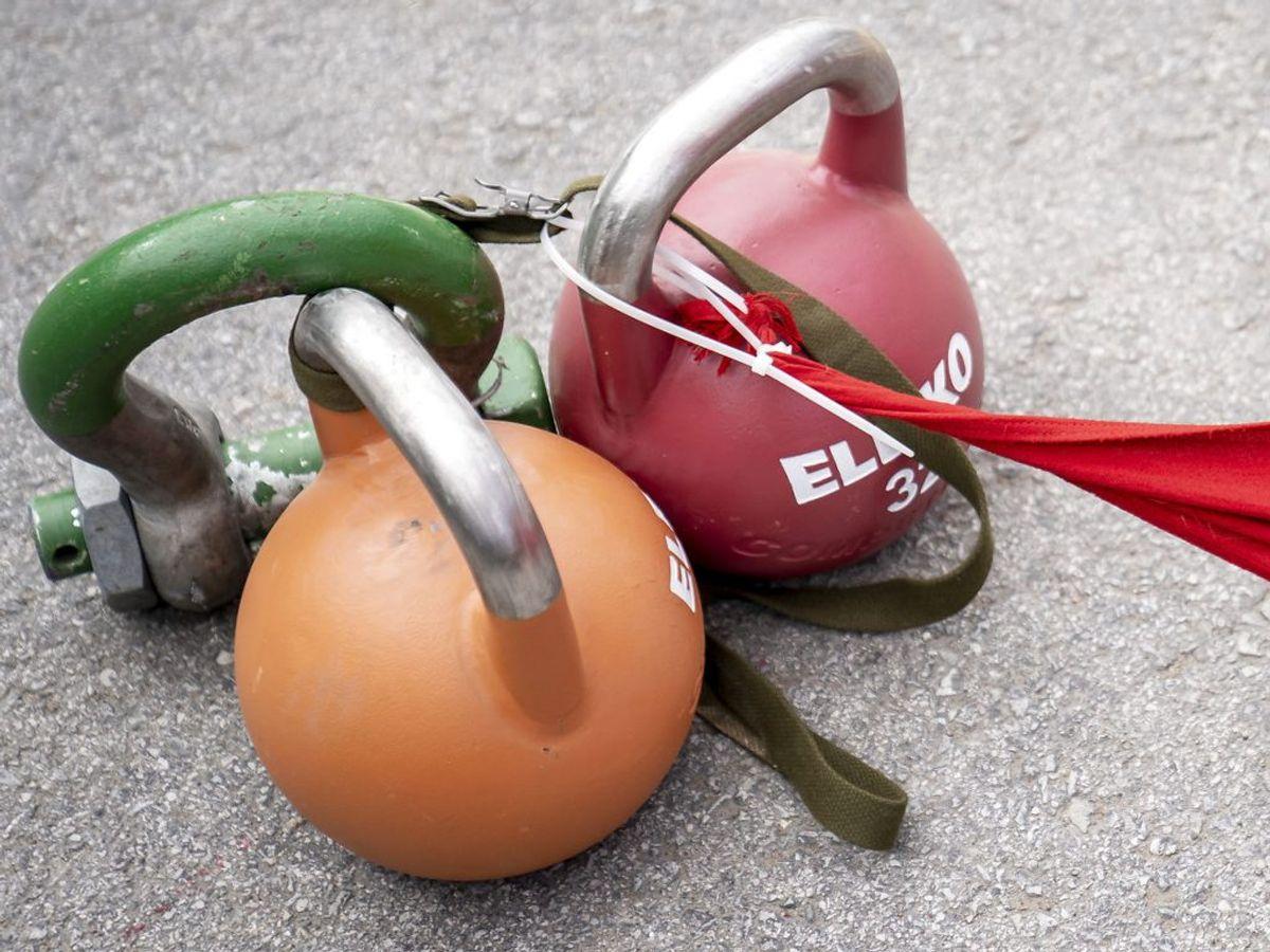 En undersøgelse har vist, at der kunne findes en forkølelses-vira på 63 procent af træningsudstyr i et fitnesscenter. Har man det hjemme, gemmer det også på bakterier. Foto: Mads Claus Rasmussen/Ritzau Scanpix