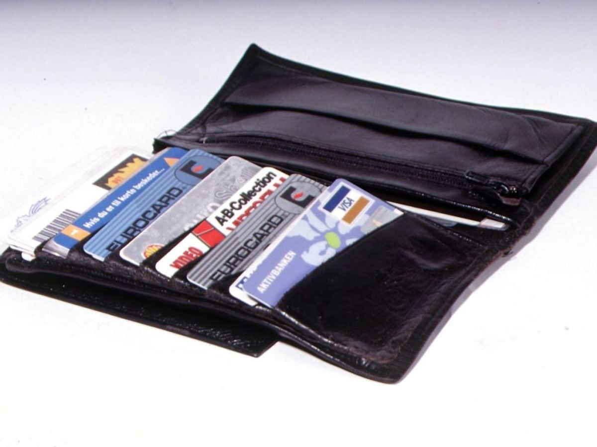 Indholdet af din pung er udsat for mange bakterier i løbet af en dag. Flere undersøgelser har påpeget at særligt penge og kreditkort er fulde af bakterier. Foto: Ritzau Scanpix/ Arkiv