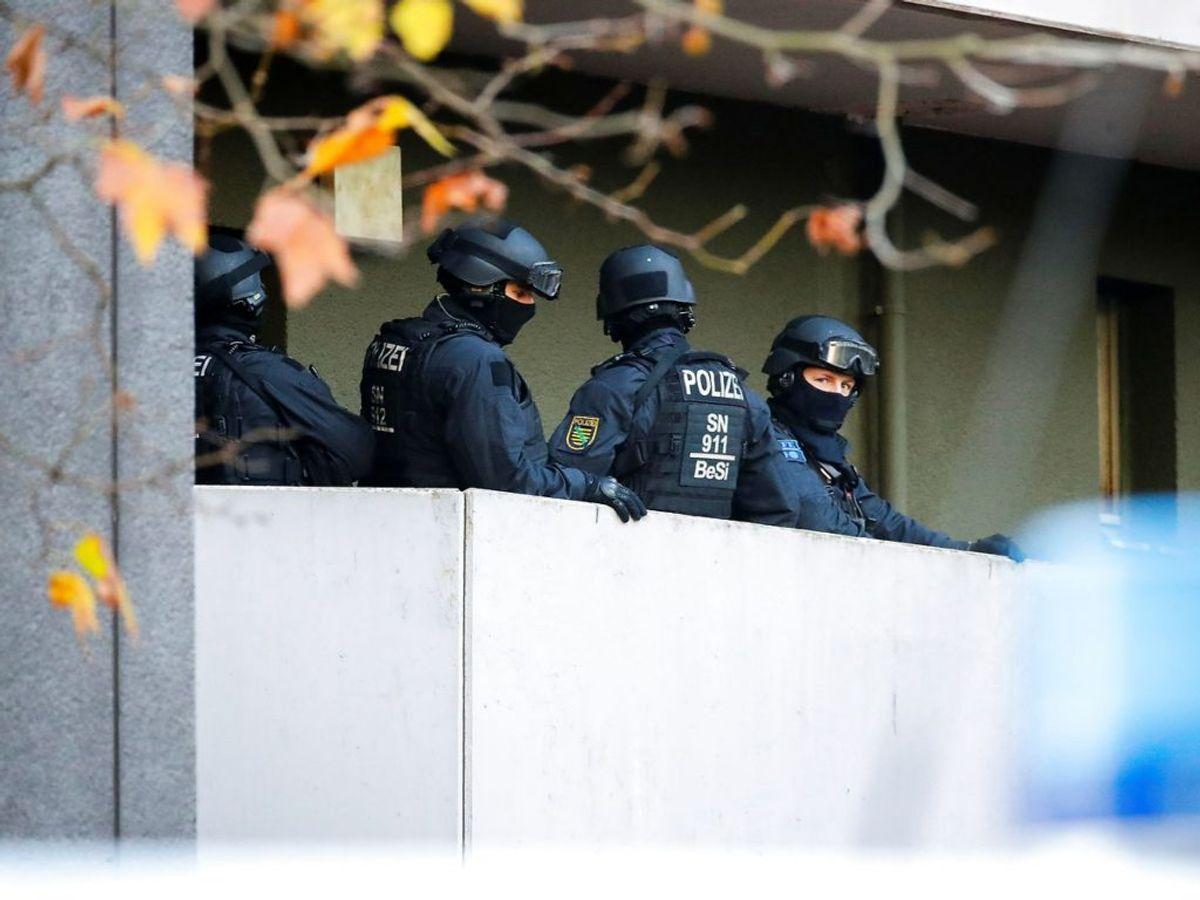 Ransagningerne foregår i forbindelse med anholdelsen af tre personer, der mistænkes for at stå bag et stort diamanttyveri. Foto: REUTERS/Hannibal Hanschke
