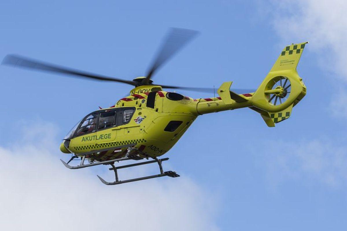 Manden blev fløjet på hospitalet i helikopter. Arkivfoto: René Lind Gammelmark