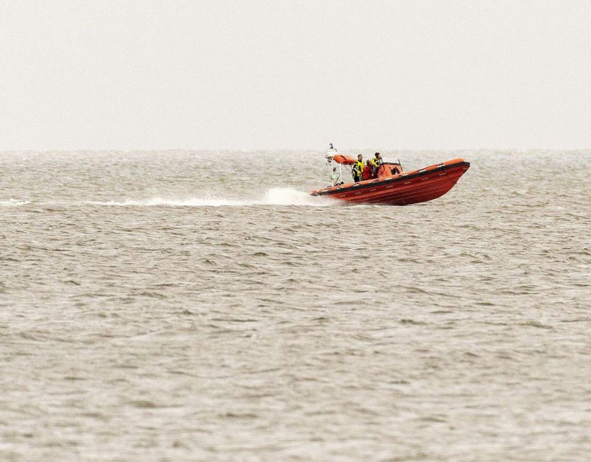 En 76-årig mand er død. Han blev af sin søn fundet livløs i vandkanten. Foto: Mads Dalegaard/ Ritzau Scanpix/ Arkiv