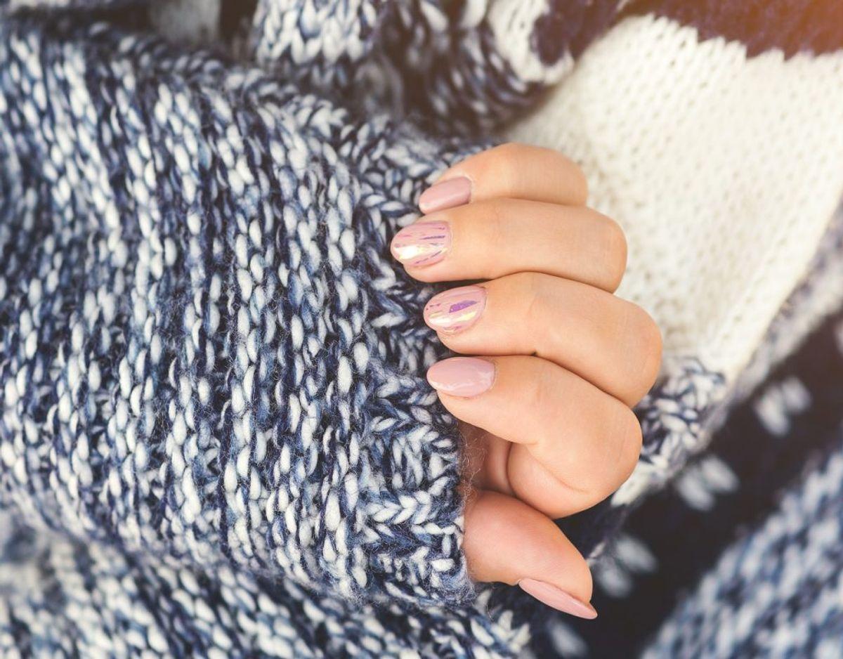 De kolde fingre kan også skyldes anæmi, hvor kroppen har færre røde blodceller end normalt. Dette skyldes jernmangel. Foto: Colourbox