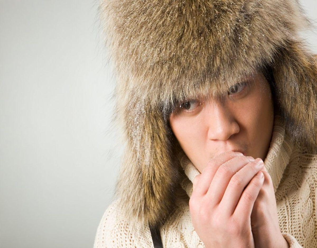 Problemer med kolde hænder kan også stamme fra, at du har problemer med blodårerne. Foto: Colourbox