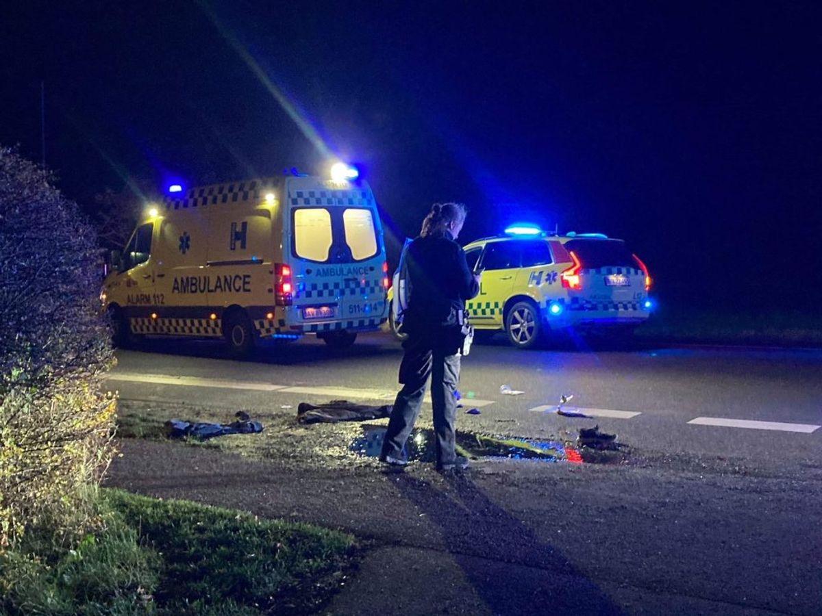 Fodgængeren i kritisk tilstand. KLIK FOR FLERE BILLEDER. Foto: Presse-fotos.dk