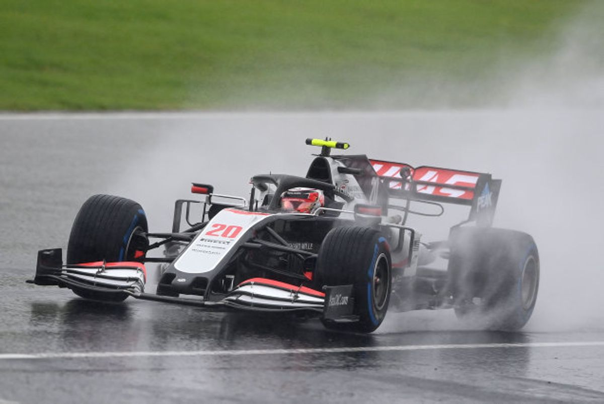 Kevin Magnussen og resten af Formel 1-feltet havde ekstremt vanskelige forhold at køre under til lørdagens kvalifikation i Istanbul. Foto: Ozan Kose/AFP