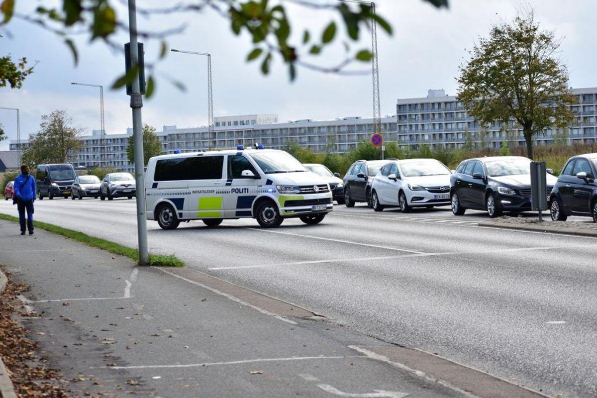 En 23-årig kvinde er tirsdag blevet dræbt i en ulykke. KLIK for flere billeder. Foto: Øxenholt Foto.