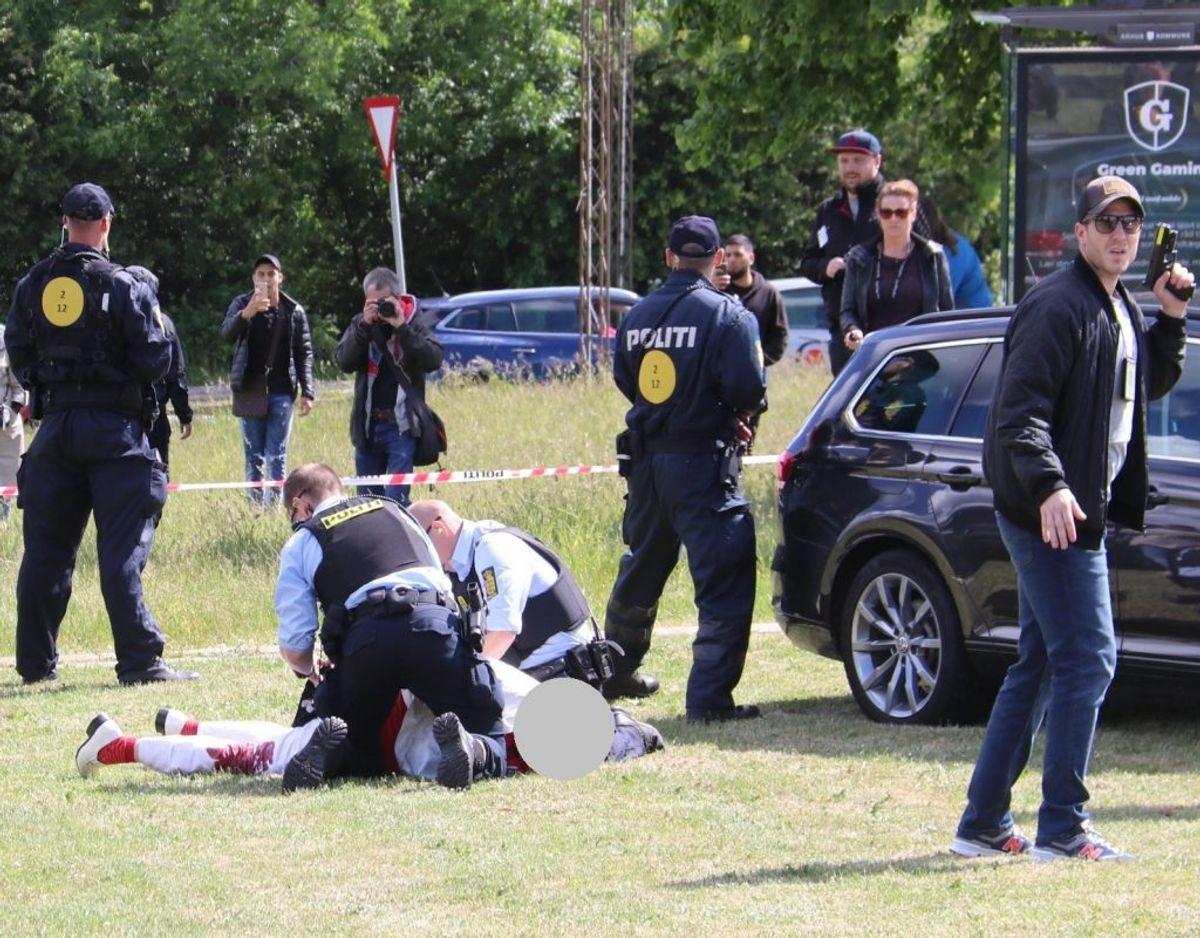 Den 53-årige mand, der blev skudt under en demonstration i DIgterparken, og en 41-årig mand tiltales for drabsforsøg på Rasmus Paludan. Foto: Øxenholt Foto