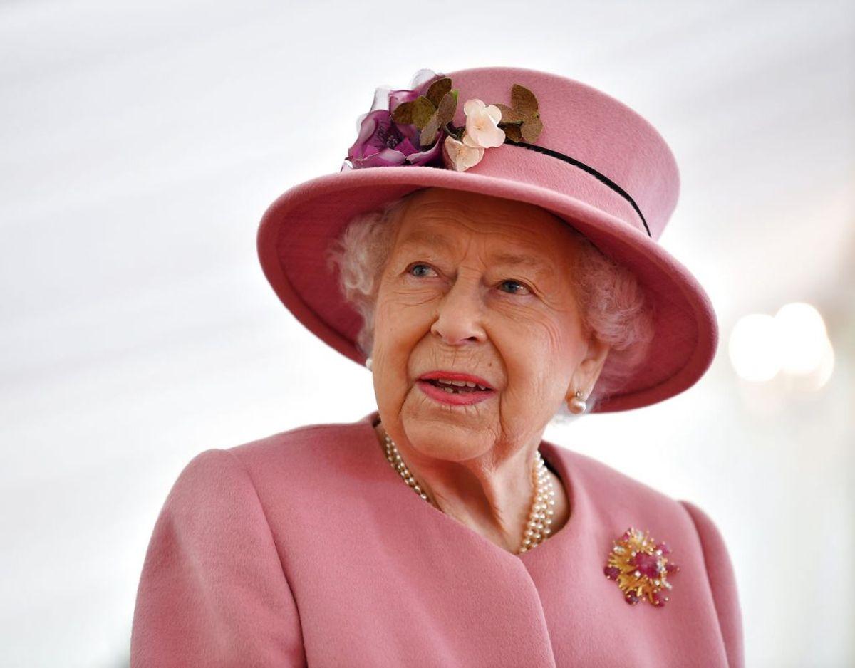 Den britiske dronninge er med sine 74 år verdens ældste nulevende monark. Klik videre i galleriet for flere billeder. Foto: Scanpix/Ben Stansall/Pool via REUTERS