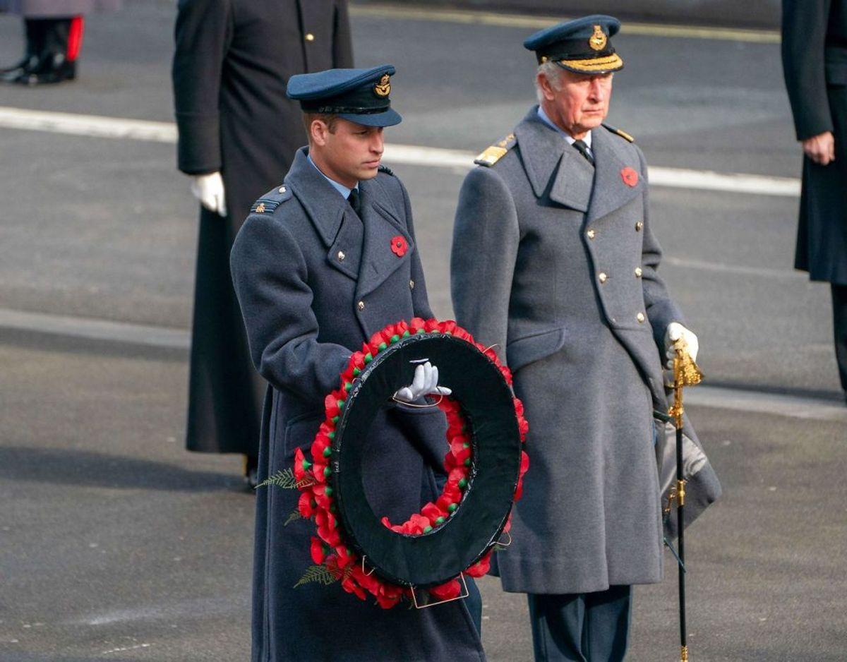 Prins Charles prins William ses her sammen ved årets Remembrance Sunday. Klik videre i galleriet for flere billeder. Foto: Scanpix/Arthur EDWARDS / various sources / AFP)