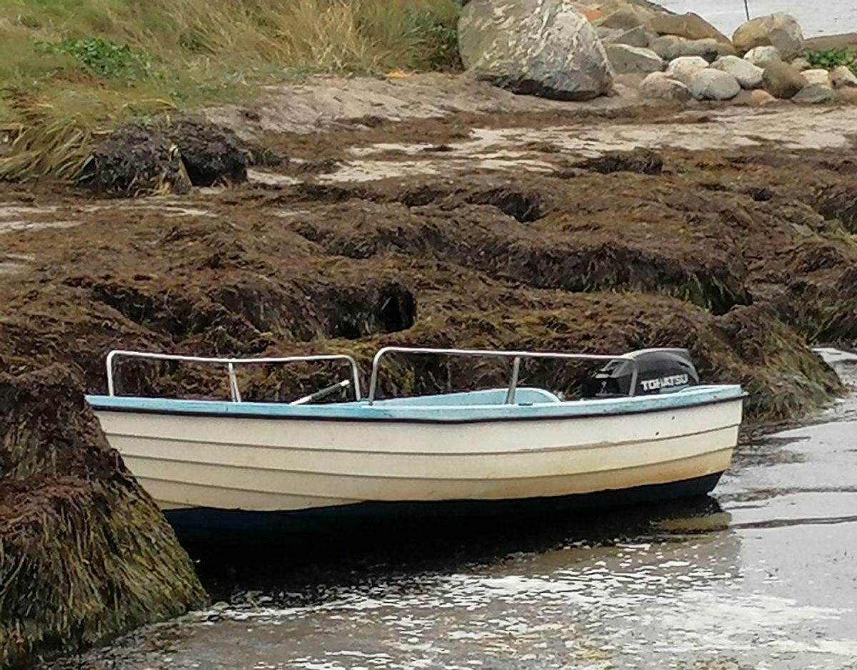 Et vidne havde set den lille båd drive rundt til havs. Foto: Presse-fotos.dk.