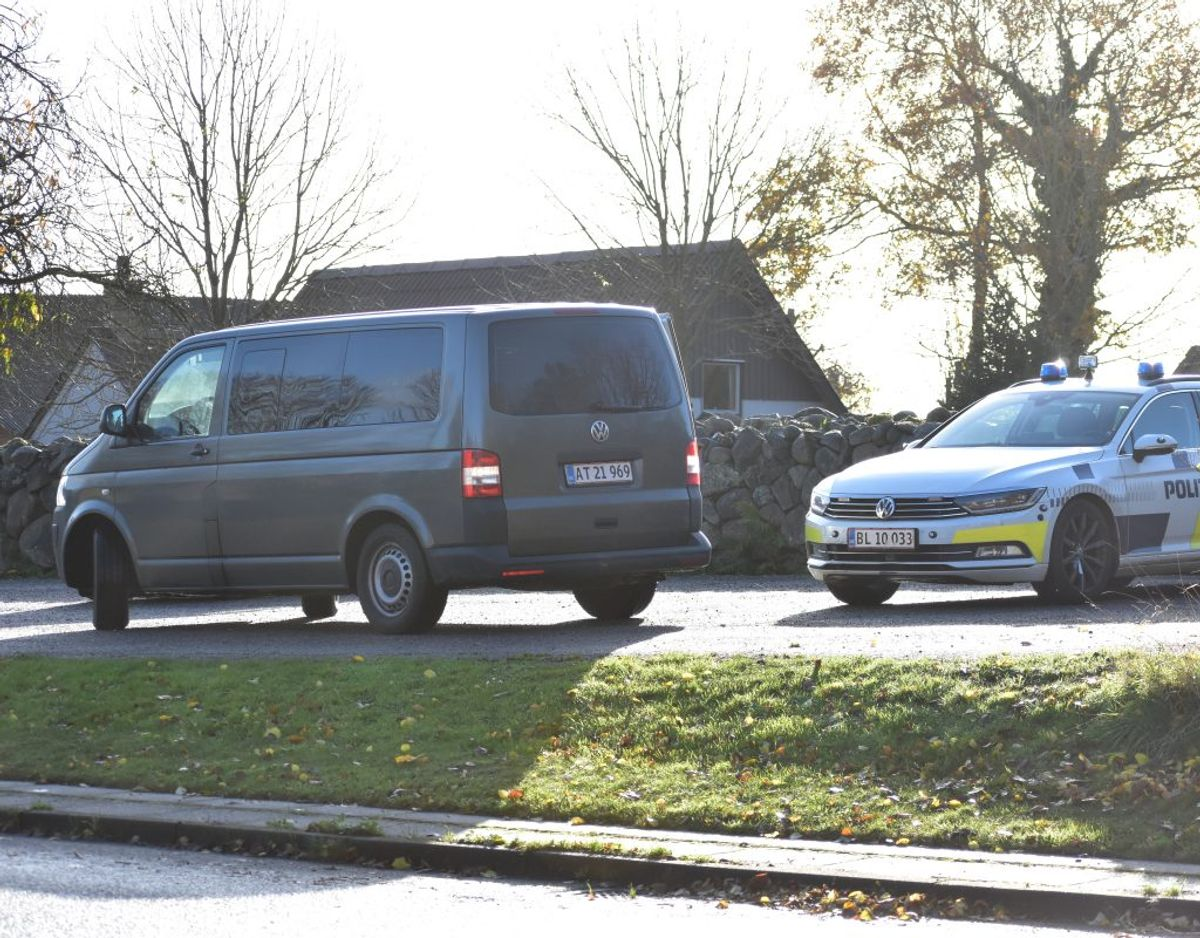 Politiet modtog anmeldelse om skyderiet klokken 08.47. Foto: Øxenholt Foto.