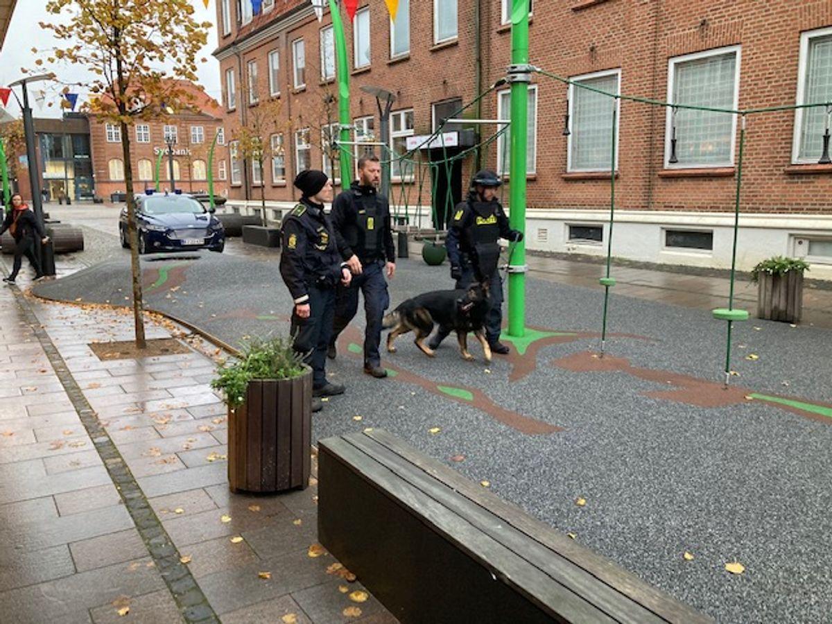 Politiaktion i Grindsted fredag. Foto: Claus Jessen/newsbreak.dk