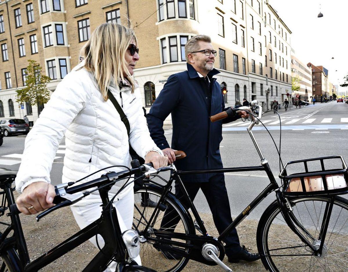 Overborgmester Frank Jensen (S) og hustruen Jane Frimand Pedersen, efter et pressemøde på Islands Brygge i København, mandag den 19. oktober 2020, hvor Frank Jensen trådte tilbage som overborgmester. Foto: Philip Davali/Ritzau Scanpix