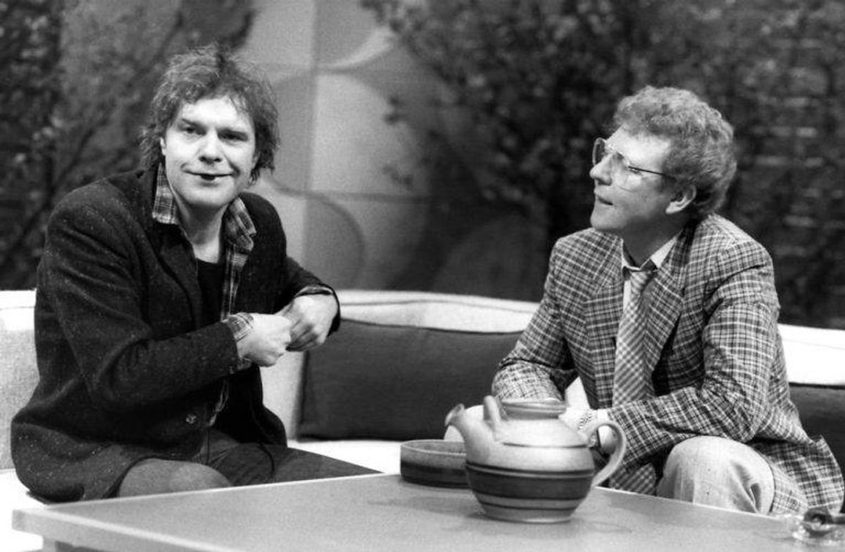 "Kim Larsen, sanger, optræder i programmet ""Lørdagshjørnet"" i 1985"