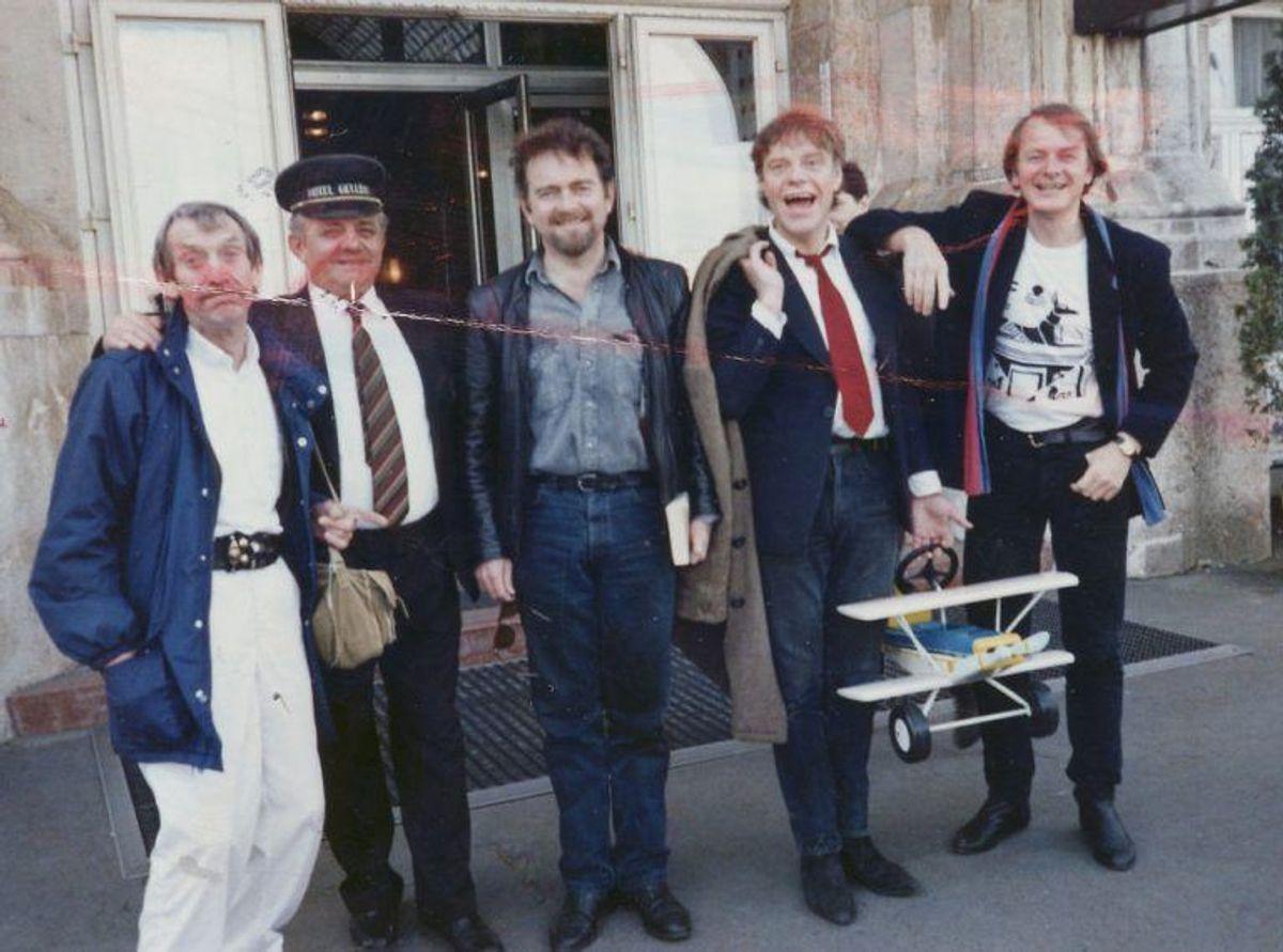 Kim Larsen, sanger, i Budapest sammen med Mogens Mogensen, Erik Clausen, K.L. og Peter Ingemann i 1989, Anvendt i B.T. 18. april og 25. okt. 1989.