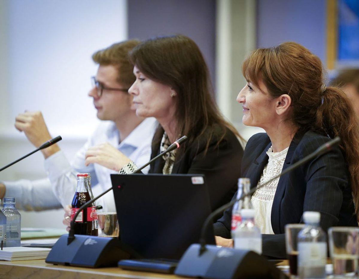 Chikanen er gået ud over partikollegaen Brigitte Klintskov Jerkel (midt). (Foto: Liselotte Sabroe/Ritzau Scanpix)