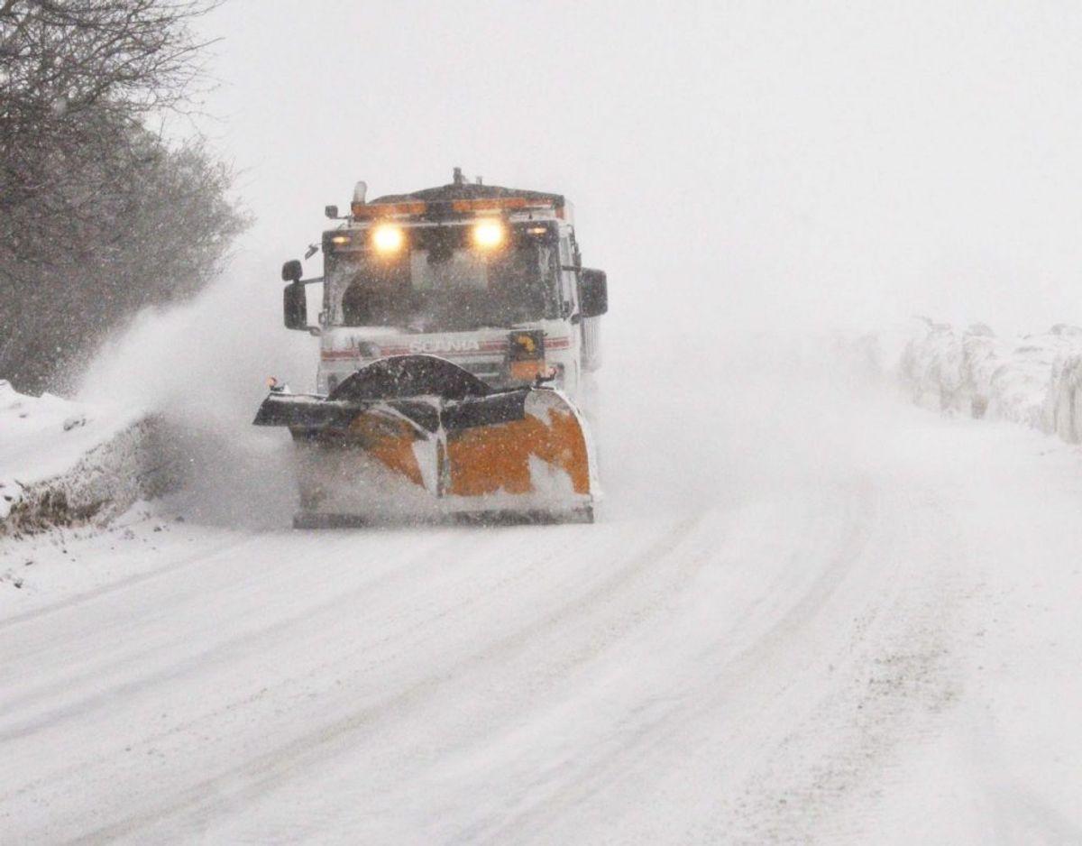 Hos Vejdirektoratet er det officielt blevet klar til vinter. Er din bil forberedt? Genrefoto. KLIK og læs mere om biler, vinter og sne.