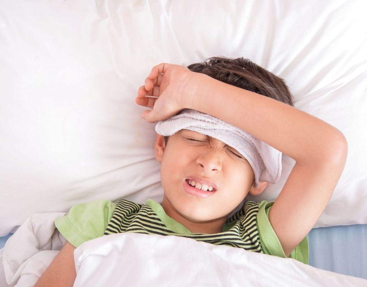 Ryster du af kulde, har du hovedpine og ømme muskler, og er du træt, er det alle symptomer på influneza. Foto: Scanpix.