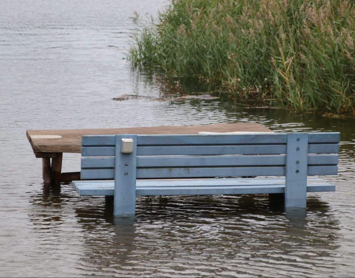 Vandstanden steg også i Vordingborg Havn. Foto: Presse-fotos.dk