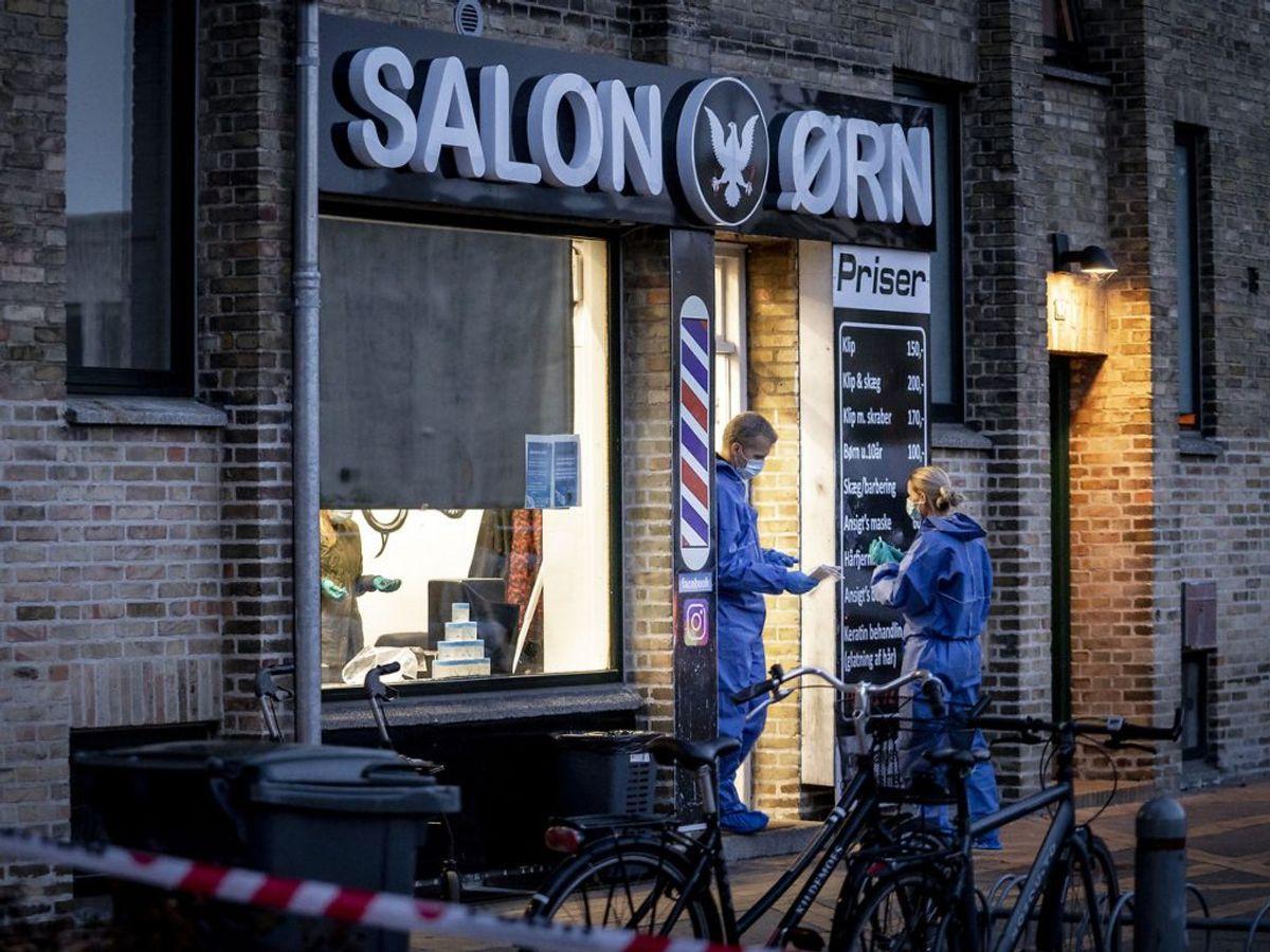 Drabet på en 20-årig ved Salon Ørn i Brønshøj menes at være en del af konflikten. Klik for flere billeder. Foto: Mads Claus Rasmussen/Scanpix