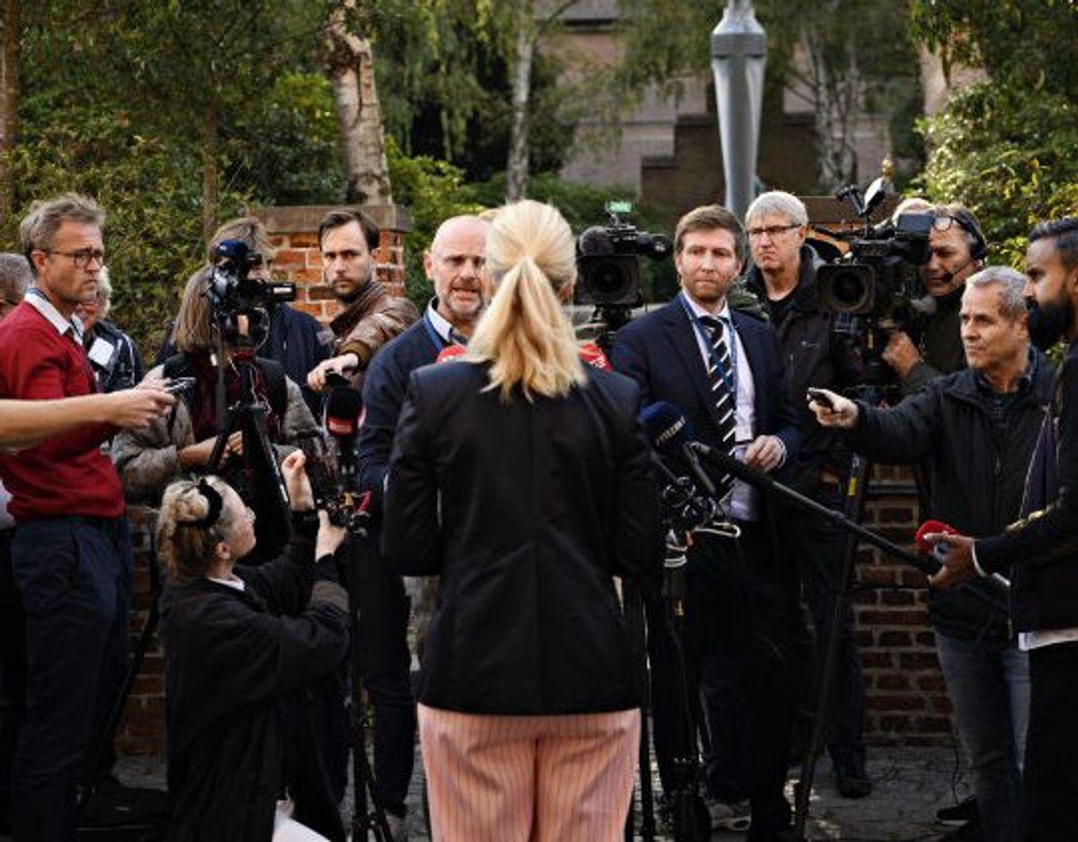 """På et kort pressemøde fredag blev Sofie Carsten Nielsen (R) spurgt, om hun har hørt, om der var andre sager forbundet med Morten Østergaard: """"Jeg er lige blevet bekendt med det her opslag, og jeg blev så i eftermiddag bekendt med, at der er en personalesag, hvor Morten Østergaard også er krænkeren"""", svarede hun. KLIK videre og få et overblik over den seneste tids dramatiske udvikling hos De Radikale. (Foto: Philip Davali/Scanpix"""