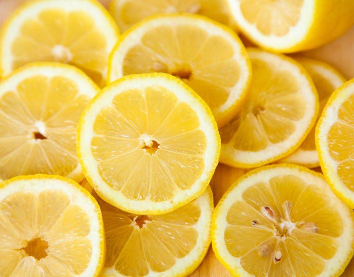 Citrusolie (især ekstrakt): Opkast.