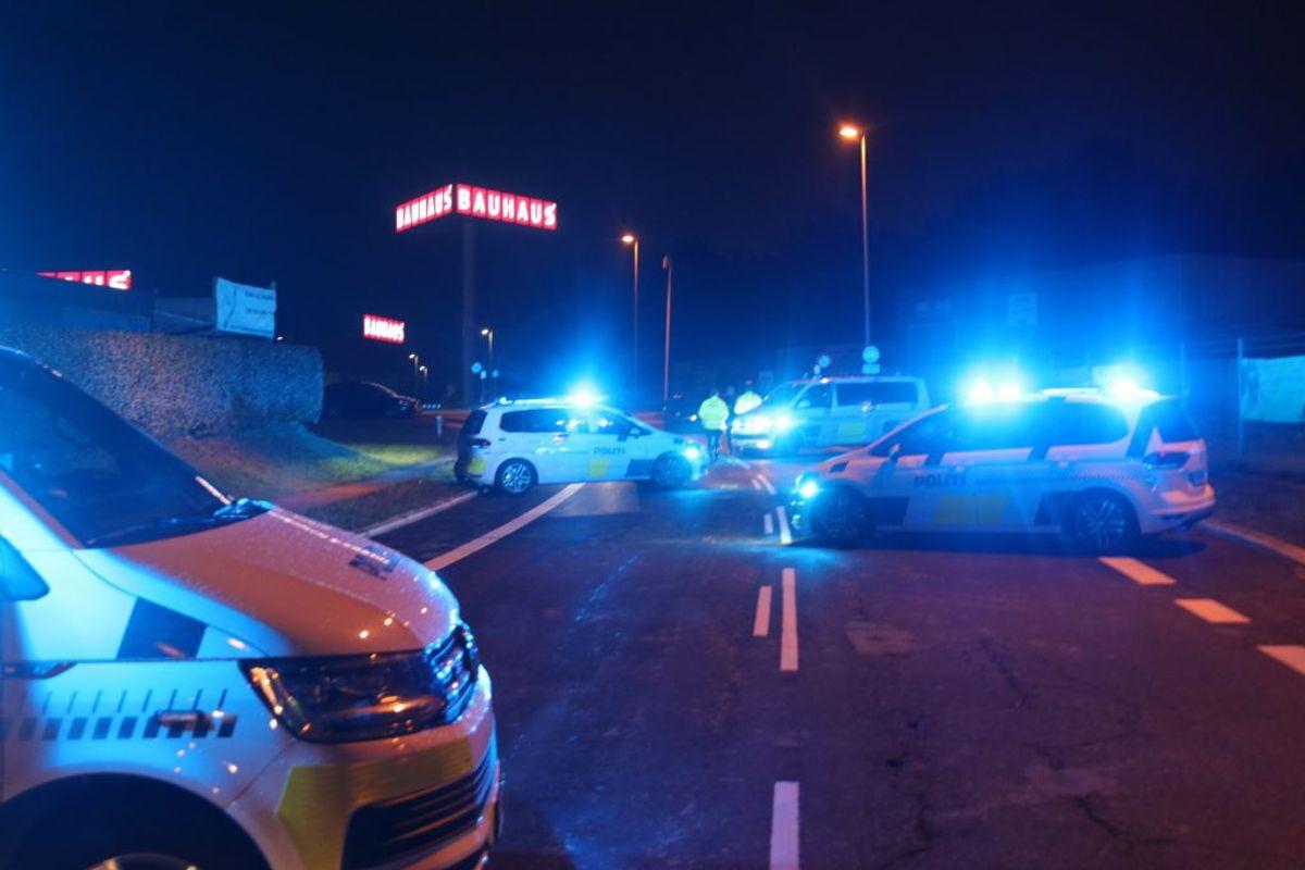 180 personer er sigtet for overtrædelse af forsamlingsforbuddet. De var samlet til bilræs i Roskilde. KLIK for flere billeder. Foto: Presse-fotos.dk.