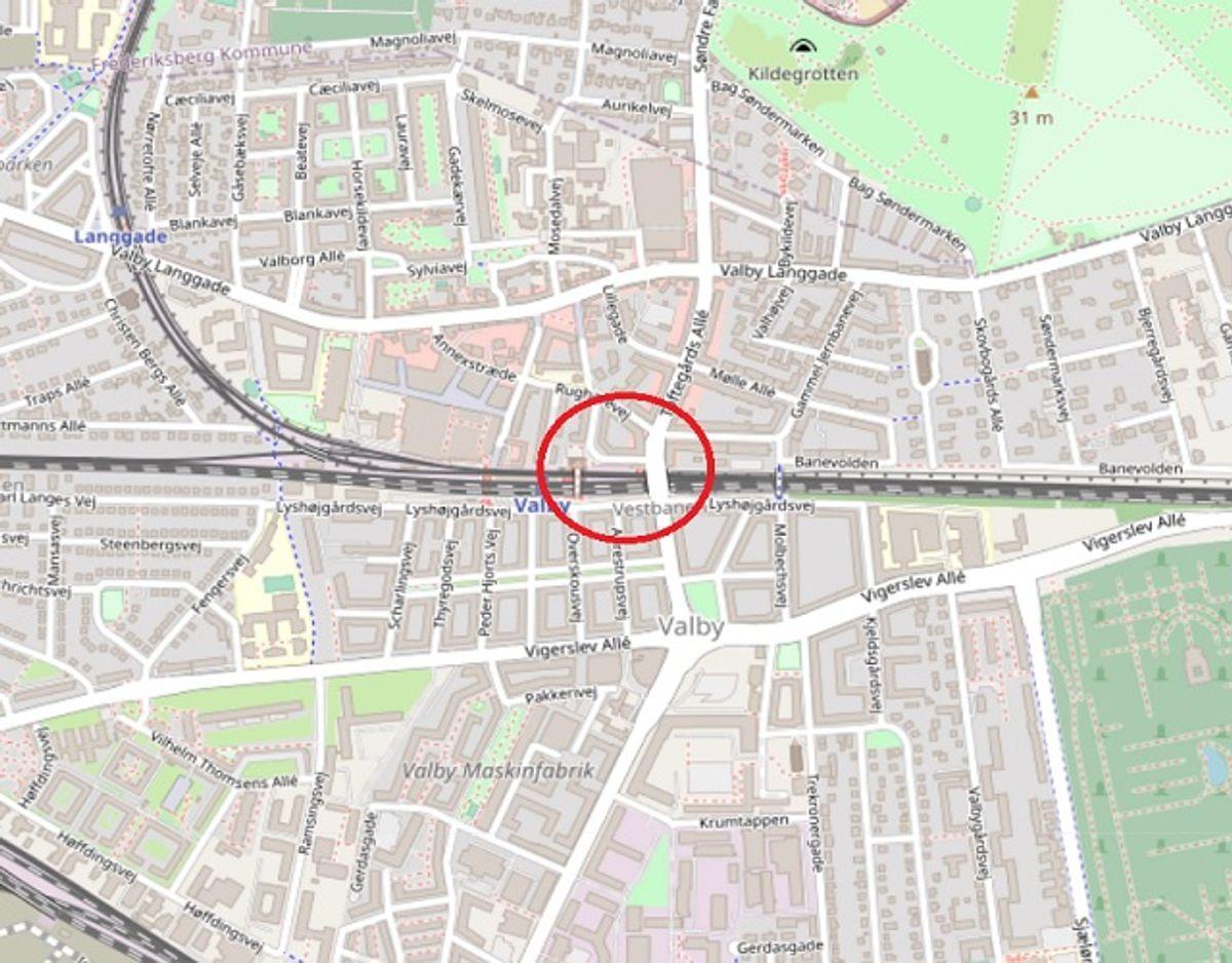 Her er der lige nu spærret. Foto: ©OpenStreetMap-bidragsydere.