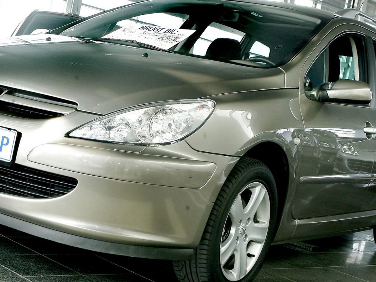 Der er mange ting, du selv kan gøre, for at sikre dit køb af en brugt bil ender lykkeligt. KLIK VIDERE OG SE DE TI TYPISKE FEJL. Foto: Bax Lindhardt/Ritzau Scanpix
