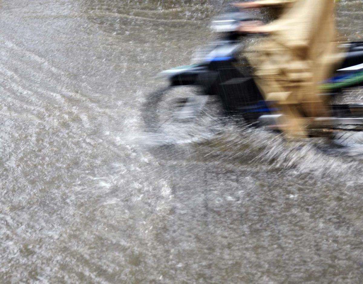 Ifølge Vejdirektoratet er kraftig regn en af årsagerne til, at man nu er nødt til at rette op på problemet. Genrefoto.