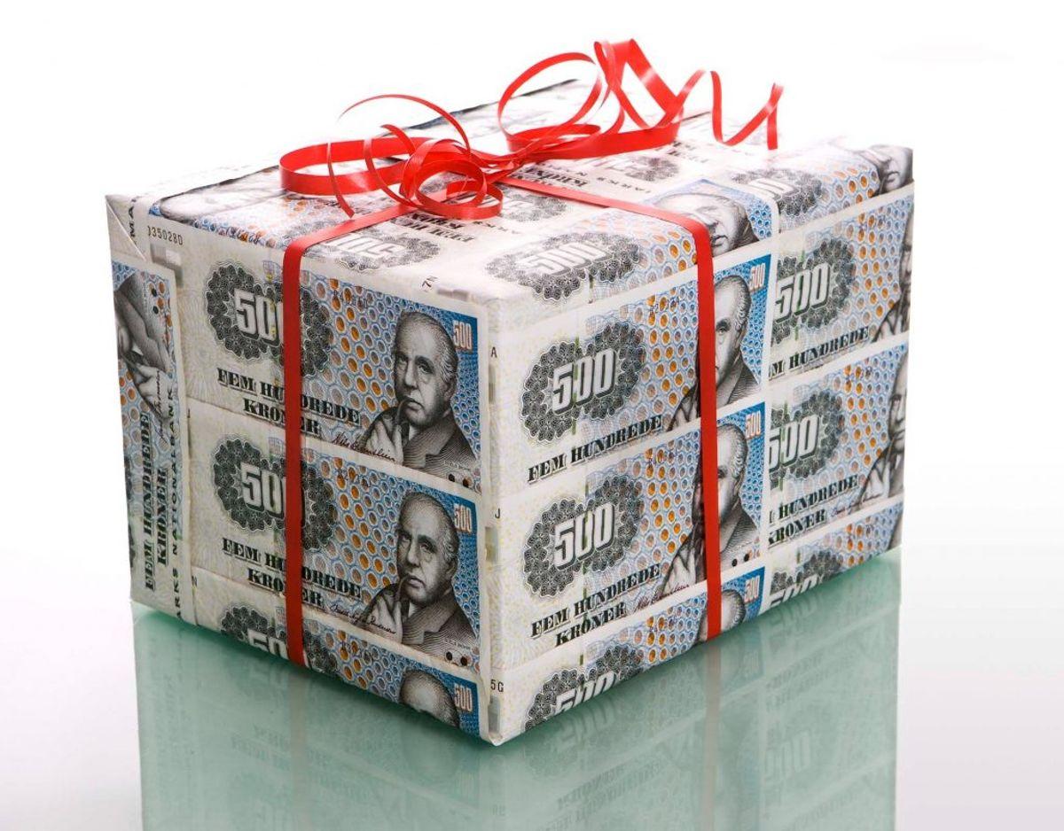 Se i galleriet her hvor meget du får udbetalt afhængigt af din indtægt. Kilde: Danske Bank.