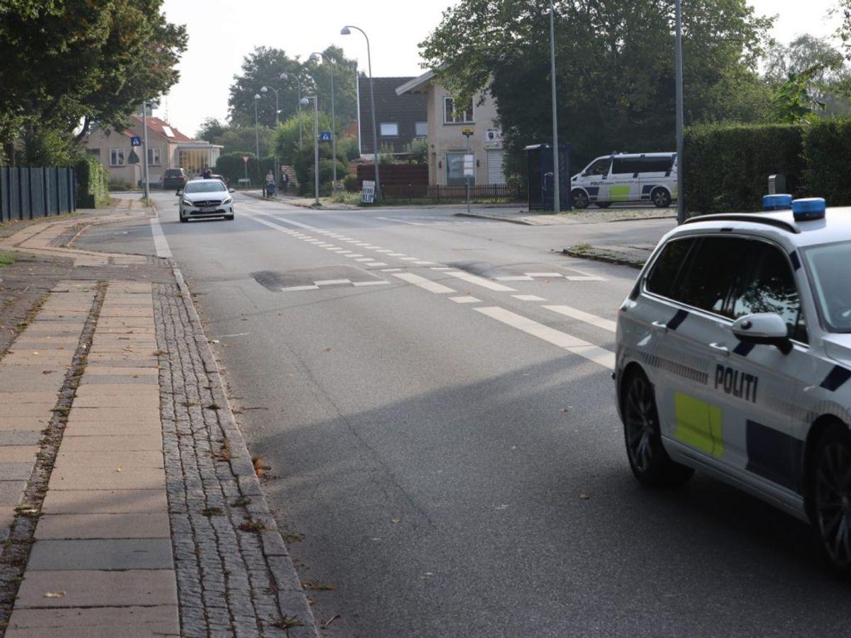 Genstanden, der menes at være fyrværkeri, er fundet på en sti nær børnehaven. Foto: Presse-fotos.dk