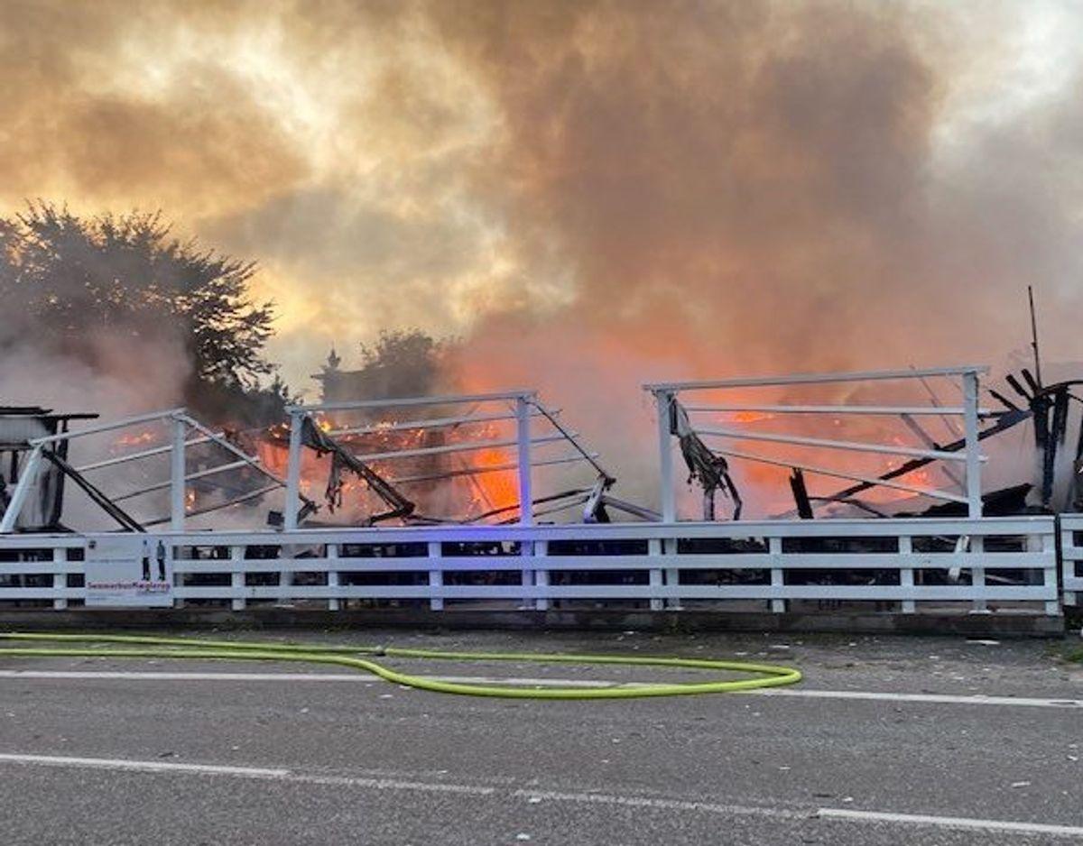 Bygningen var overtændt, da politiet ankom. Foto: Pressefotos.dk