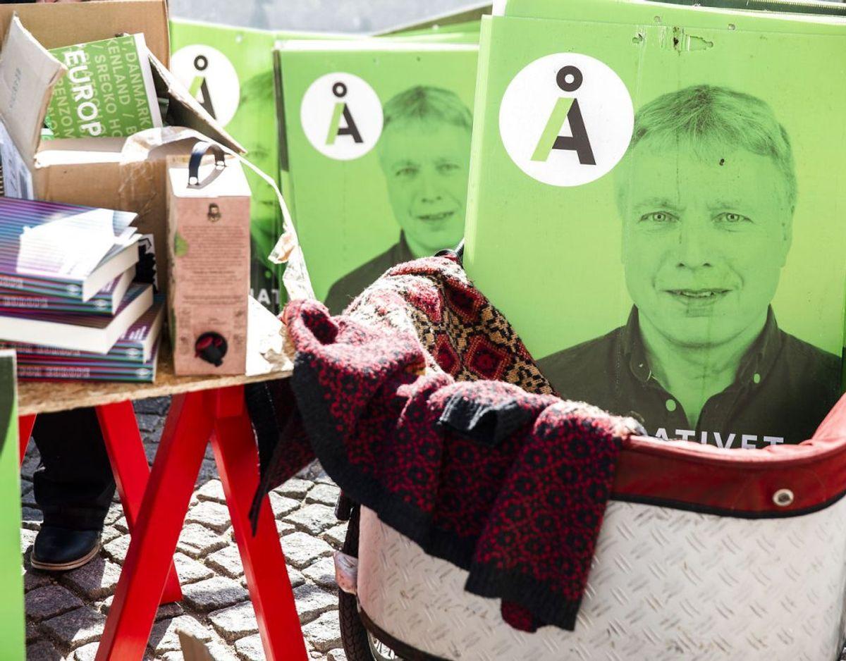 Alternativets, Josephine Fock, sælger ud af partiets lager, ved metrostationen Gammel Strand i København mandag den 7. september 2020.. (Foto: Ólafur Steinar Rye Gestsson/Ritzau Scanpix)