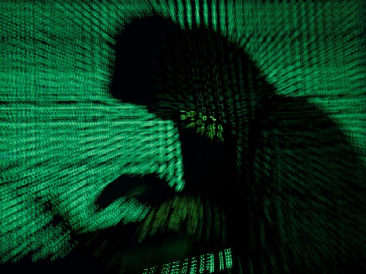 Joker-spyware simulerer kliks og overvåger sms'er, der ender med at melde brugeren til dyre abonnementer. Foto: REUTERS/Kacper Pempel/Illustration TPX IMAGES OF THE DAY