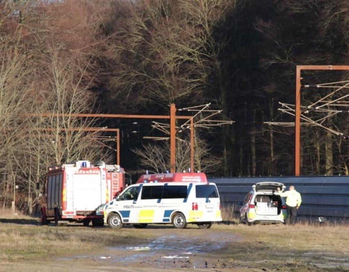 Manden blev dræbt på stedet i forbindelse med ulykken. Foto: Press-fotos.dk. KLIK FOR AT SE BILLEDER AF DEN AFDØDES TATOVERINGER.