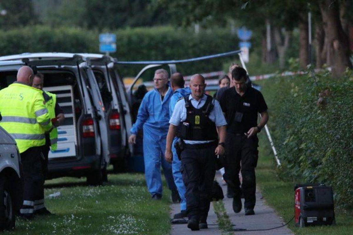 To mænd er døde efter at være ramt af skud den 25. juni. KLIK for flere billeder. Foto: Presse-fotos.dk.