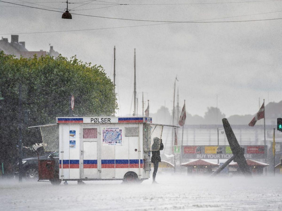 Der er risiko for kraftig regn og skybrud i et helt døgn fra tirsdag aften. Foto: Ida Marie Odgaard / Ritzau Scanpix