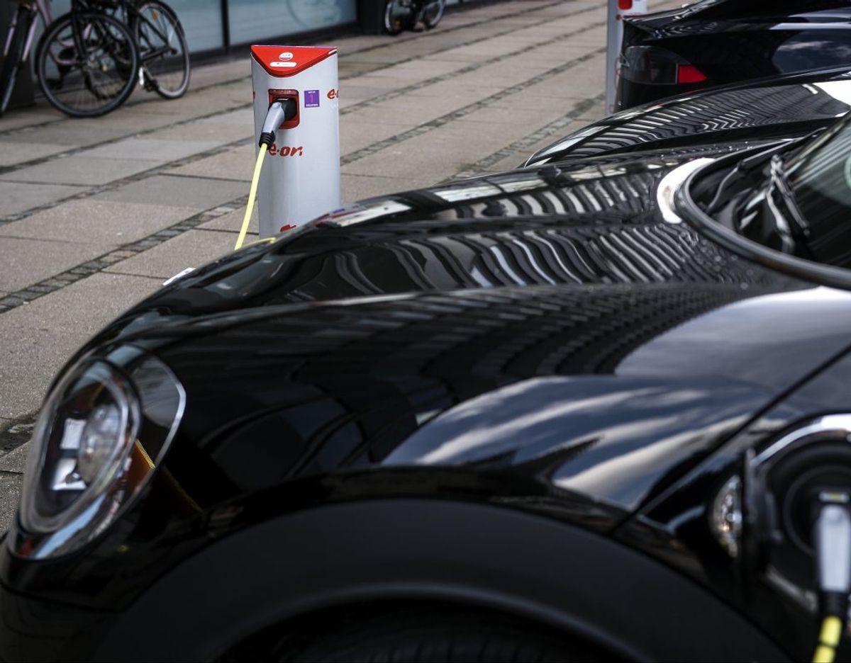 Danskerne købte rekordmange elbiler i 2019. Helt præcist blev der solgt 5524 elbiler i Danmark, hvilket er fire gange flere solgte elbiler end i 2018.  KLIK VIDERE OG SE FEM TING, MAN IKKE KAN MED EN ELBIL. (Arkivfoto) – Foto: Liselotte Sabroe/Ritzau Scanpix