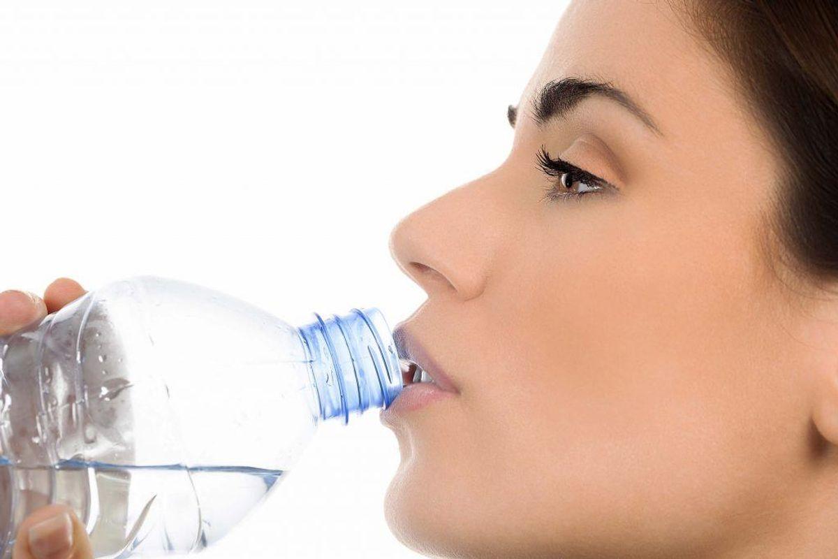 Tørst er et sikkert tegn på, at du ikke får nok væske. Arkivfoto.