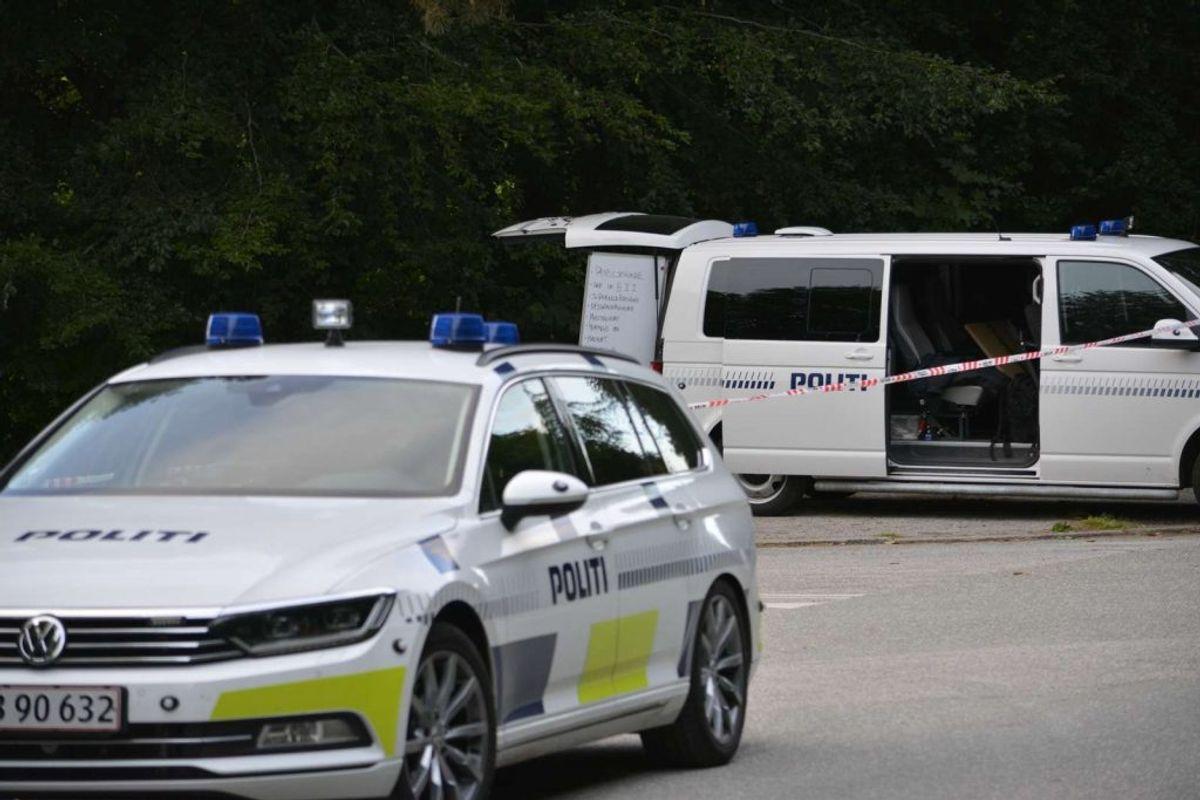 Politiet i Østjylland har anholdt en 40-årig mand i forbindelse med drabet ved Jydsk Væddeløbsbane 22. juli. Foto: Øxenholt Foto.