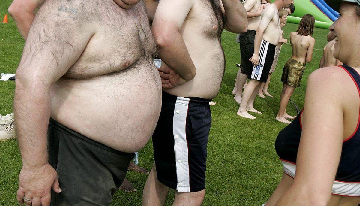 Vejer du for meget, kan det også være et problem. Overvægtige har tendens til at holde på mere kropsvarme end normalvægtige. Foto: Colourbox.