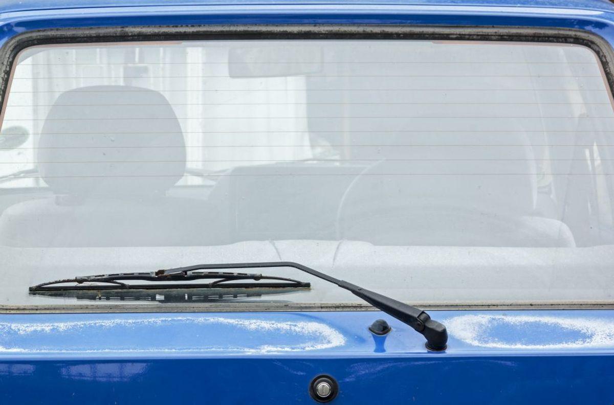 Der er flere ting, der får brændstofforbrueget til at stige: El-bagrude, radio, aircondition, sædevarme mm. Sluk det, når der ikke er brug for det mere. Foto: Scanpix.