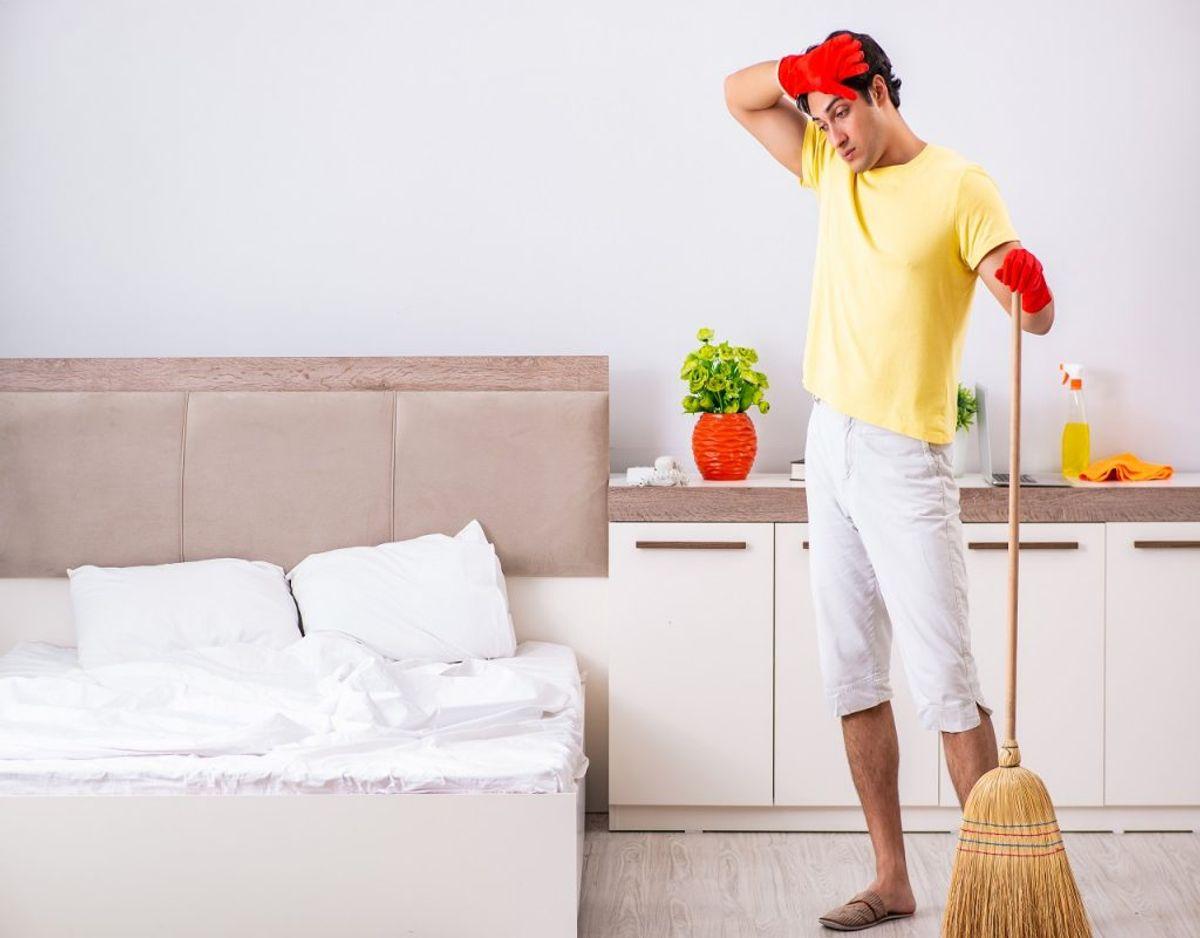 Soveværelset er fyldt med bakterier, men husker du at få gjort alle stederne rent? KLIK VIDERE OG SE DE SKJULTE BAKTERIEBOMBER. Foto: Colourbox