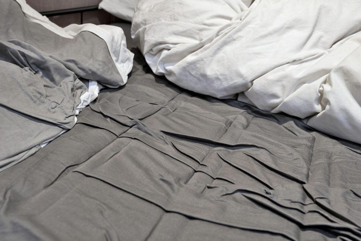 Dine lagner er en oplevelse i en kategori helt for sig. Eksperter vurderer, at man sover med 1,5 millioner støvmider hver nat – og de går ikke væk, medmindre du skifter dine lagner. Foto: Colourbox