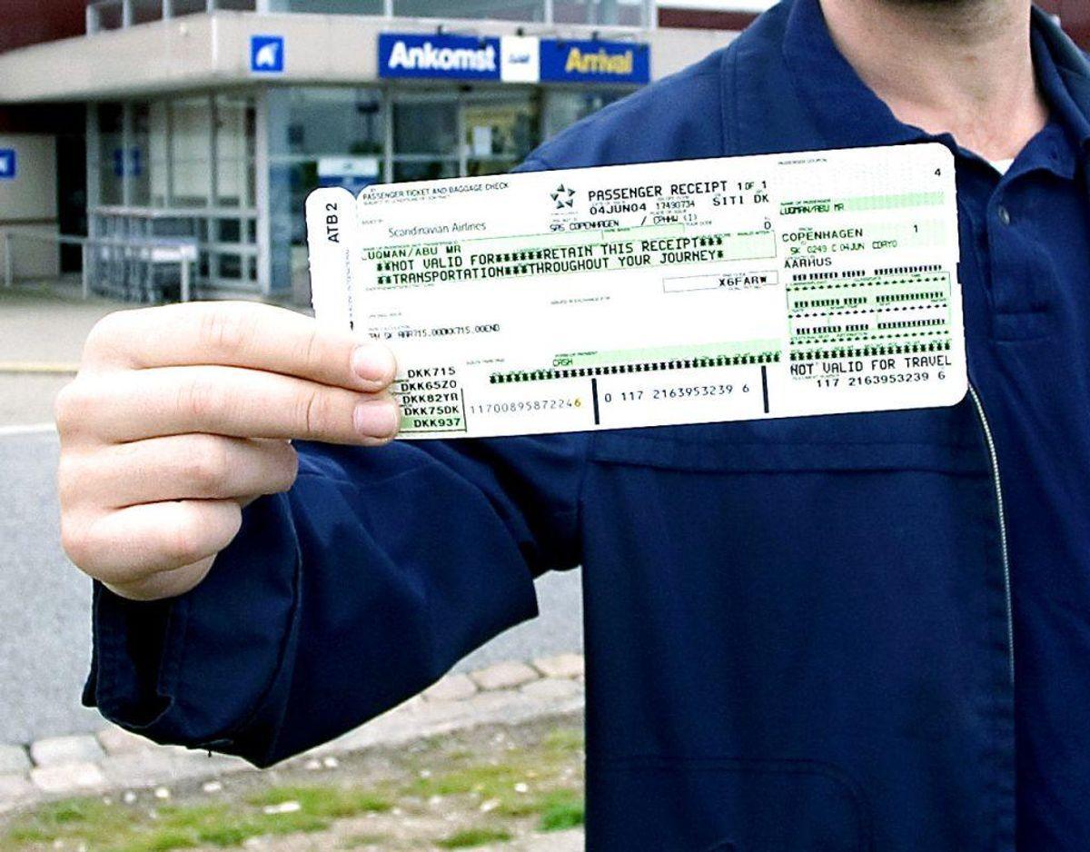 Sker konkursen før, du skal afsted, er der andre regler. Hvis du har købt flybilletter direkte hos selskabet, skal du altid betale en selvrisiko på 1000 kroner. Derefter er Rejsegarantifondens formue afgørende for, hvor meget du får i erstatning. Dog skal flybilletterne være fra en dansk lufthavn til en udenlandsk. Kilde: Forbrugerrådet Tænk Foto: Scanpix
